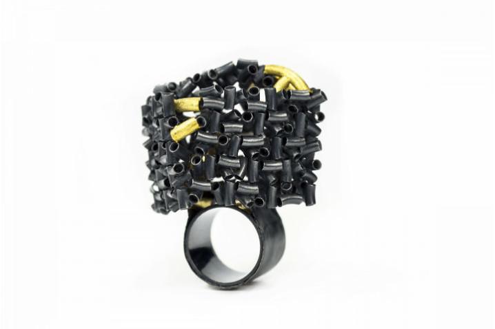 Zihan Yang_ Ring, 2019. Sterling Silver, 18K Yellow Gold, 23.5 K Gold Foil .  Hand Fabrication, Soldering , Laser Welding