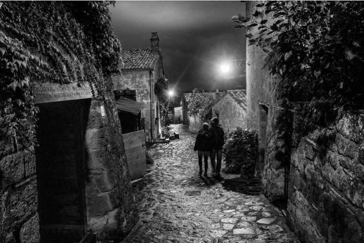 6_Stanton_Civita notte_2016_pigment_50x75